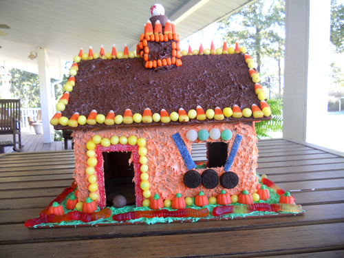 candy-cottage-finished-outside