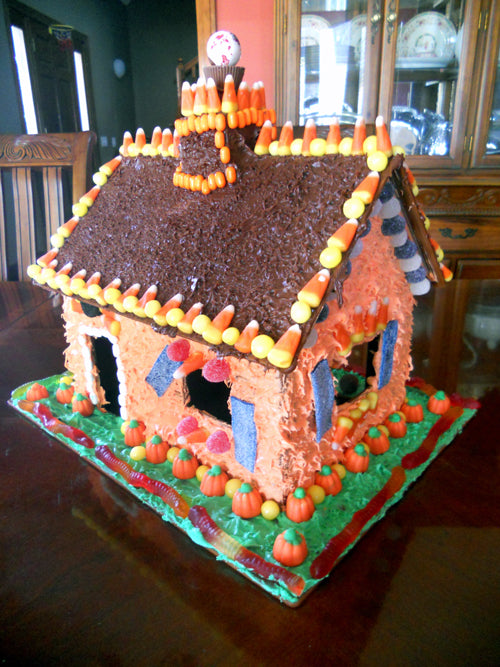 candy-cottage-halloween-finished