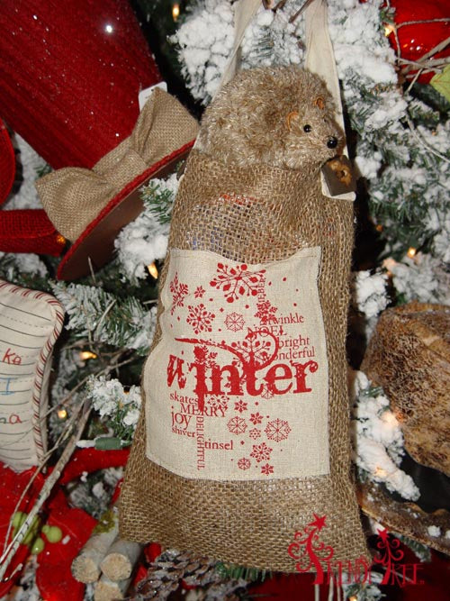 christmas-tree-tutorial-raz-hedgehog-burlap-sack