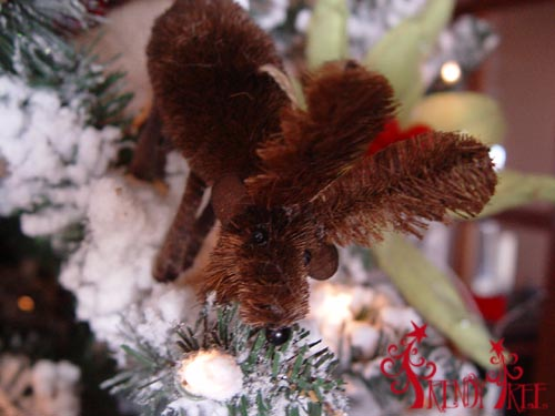 christmas-tree-tutorial-raz-moose-ornament