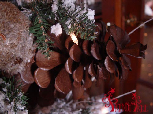 christmas-tree-tutorial-raz-natural-pinecone