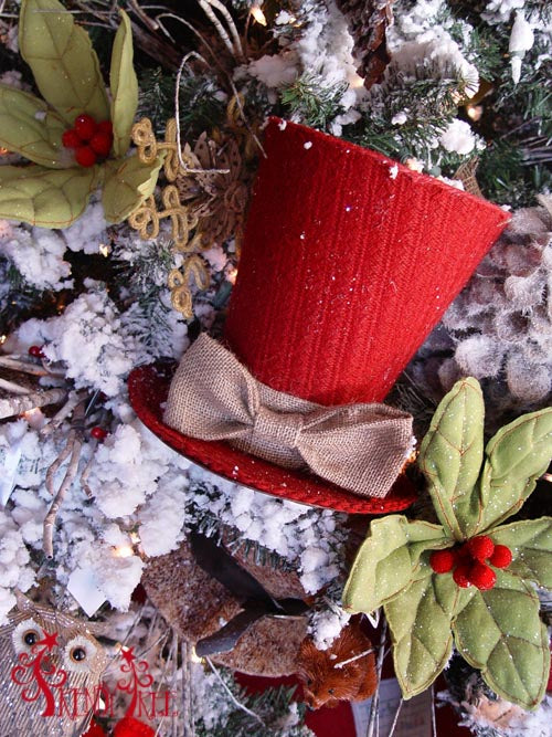 christmas-tree-tutorial-raz-red-knit-top-hat
