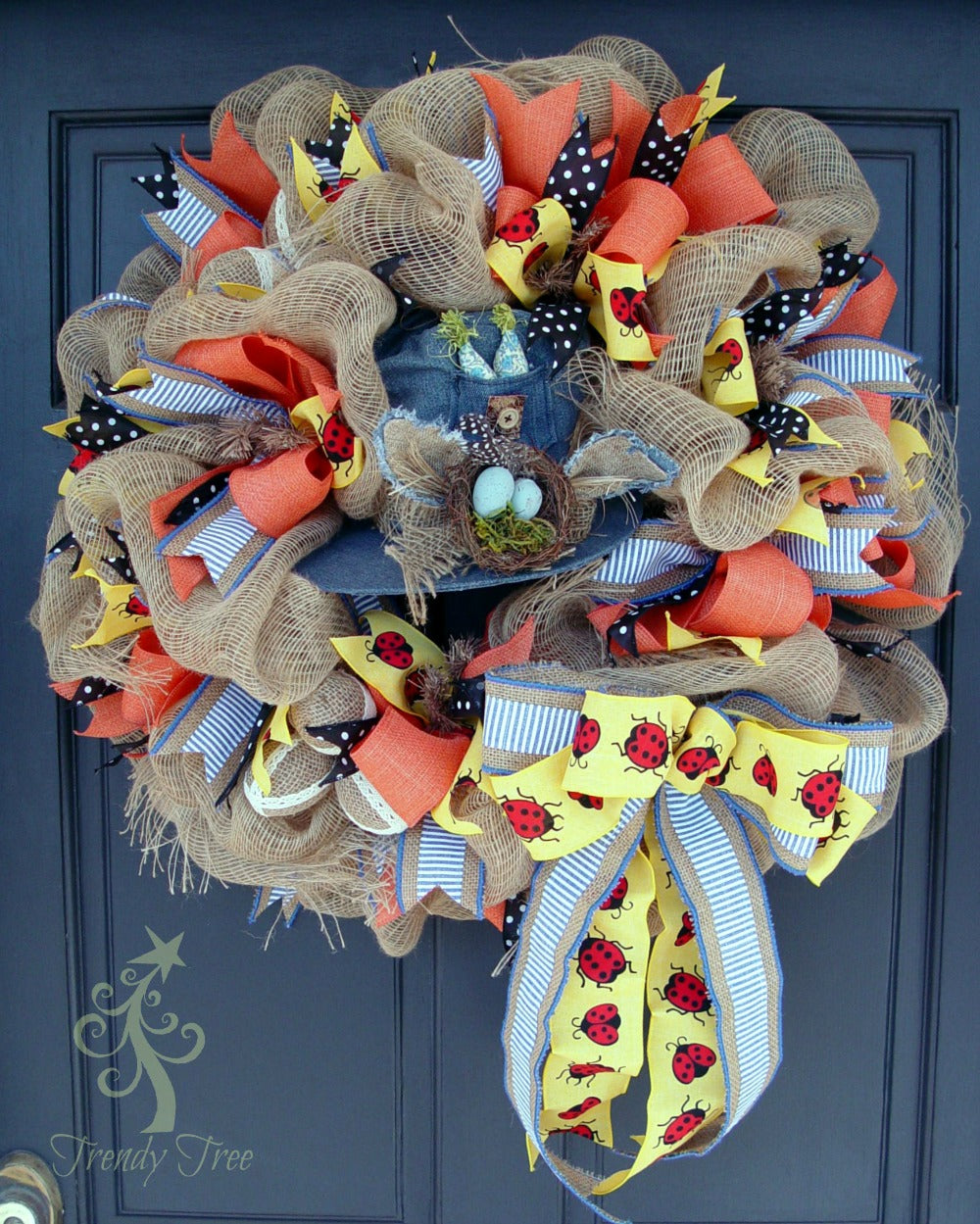 denim-hat-wreath-trendytree-door