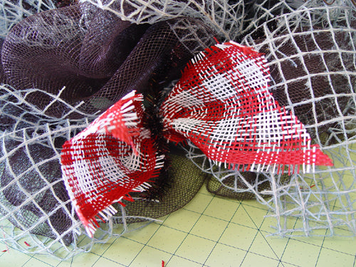 fishing-wreath-red-white-check-secured