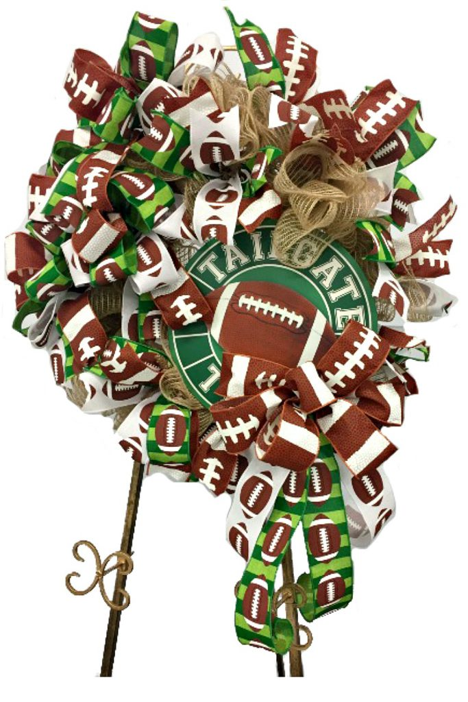 how to make a football wreath; tailgate wreath, tailgating wreath