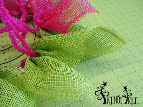 fuchsia-flower-securing-green-petals