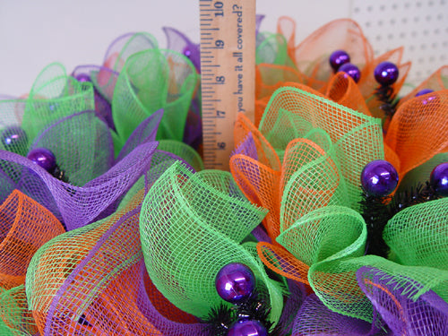 halloween-ruffle-wreath-measure-depth-wreath