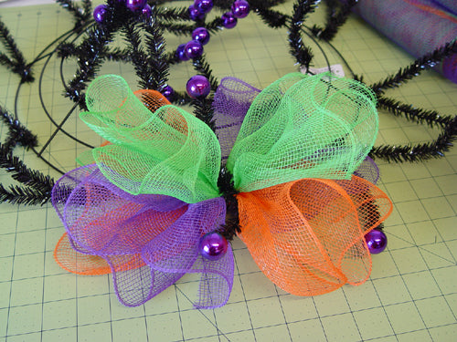 halloween-ruffle-wreath-three-ruffles-secured