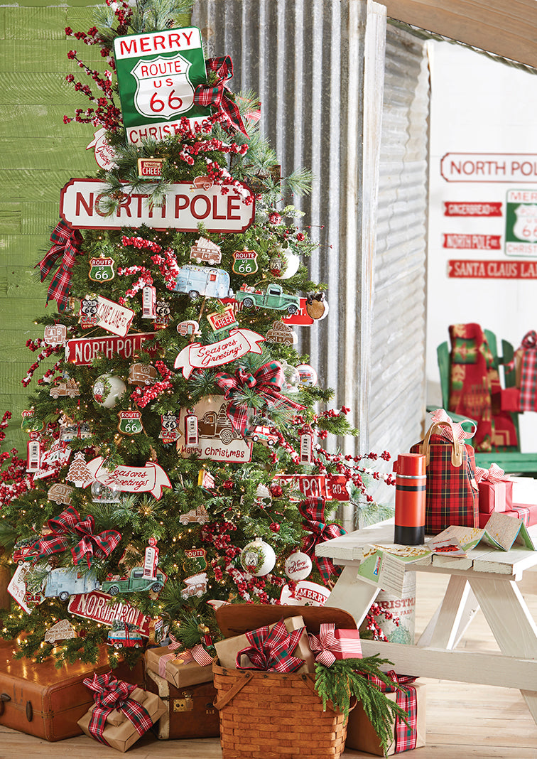 holiday roadtrip, raz christmas tree, north pole sign, route 66