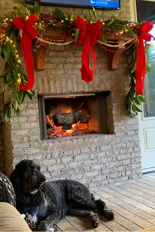 outdoor mantel garland made of Magnolia and Cypress
