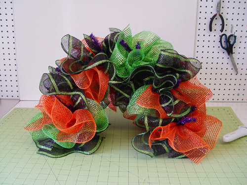 mailbox-cover-halloween-ruffles-completed