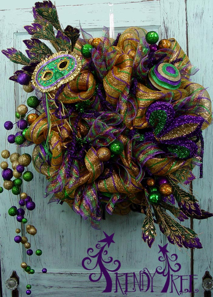 mardi-gras-wreath-tutorial