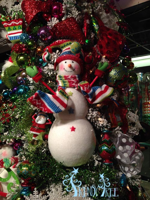 merry-and-bright-snowman-ornament