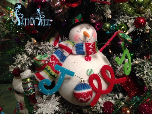 merry-and-bright-snowman-sign