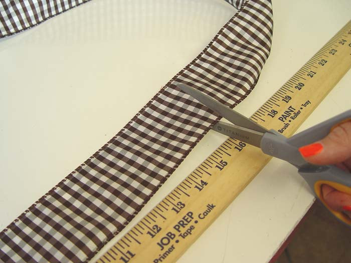 mouse-tutorial-cut-measured-ribbon