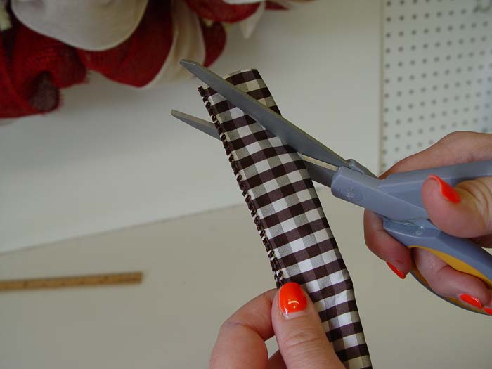mouse-tutorial-cut-ribbon-folded-side
