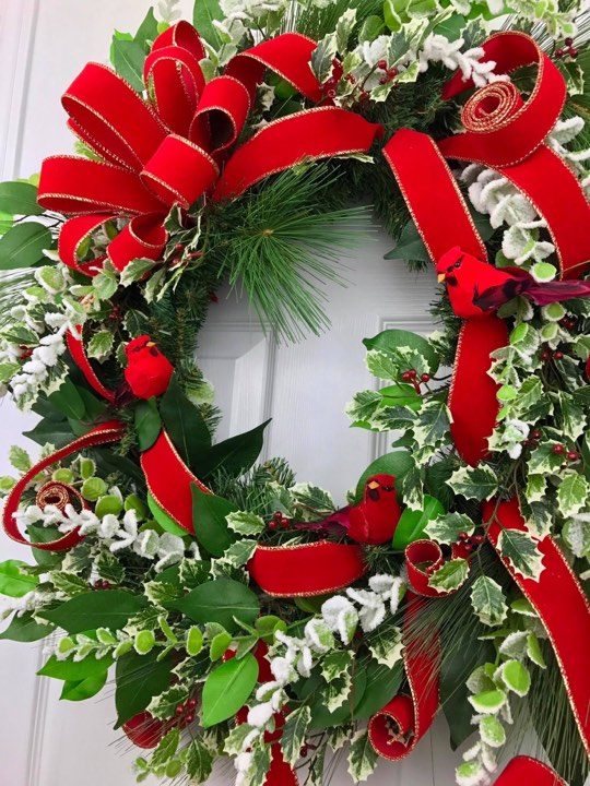 witner wreaths, cardinals, red birds