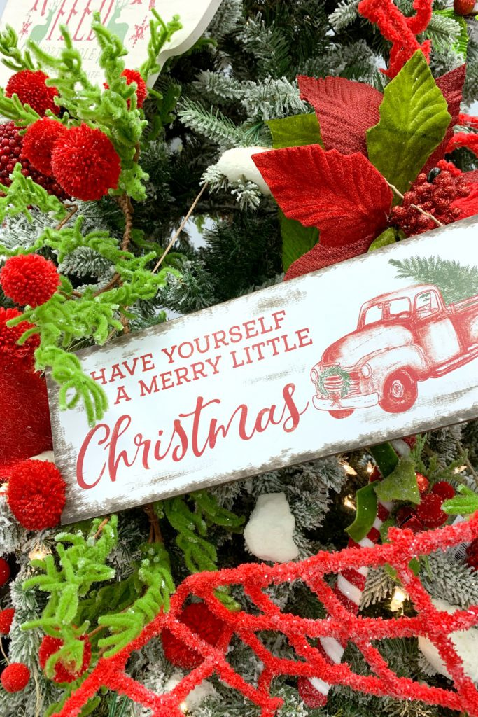 classic christmas colors, merry christmas, christmas tree, red truck