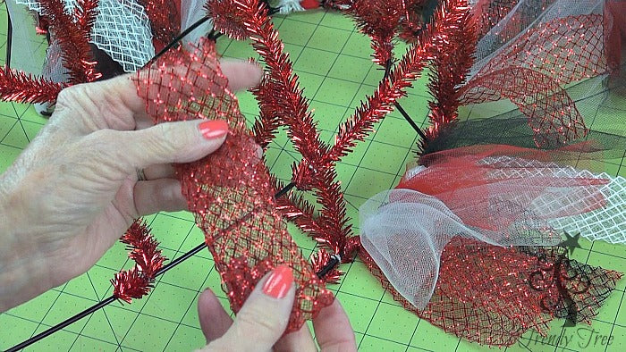 red-valentine-wreath-tutorial-trendy-tree-fold-ribbon