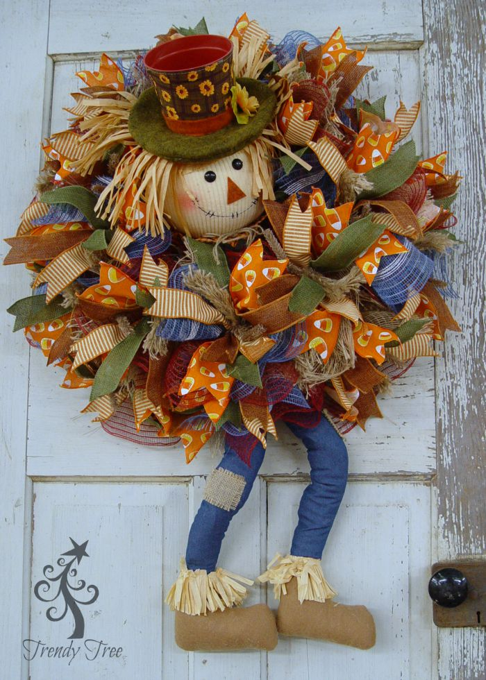 scarecrow-pot-head-wreath-door-trendytree