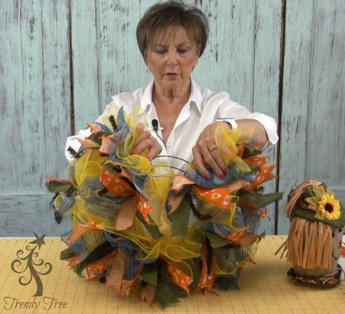 scarecrow-wreath-10-inch-part-ruffles-for-head-trendytree