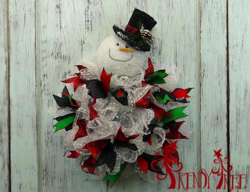snowman-wreath-black-hat