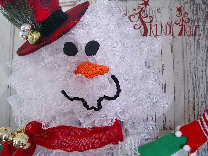 snowman-wreath-tutorial-closeup