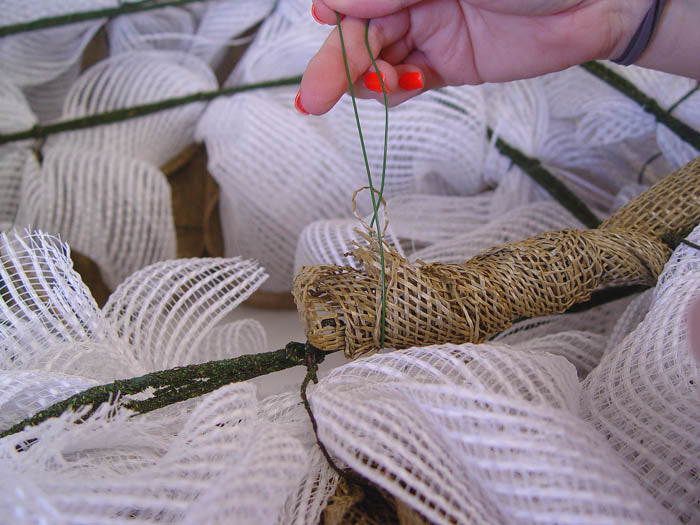 square-wreath-burlap-secure-burlap-floral-wire-to-finish