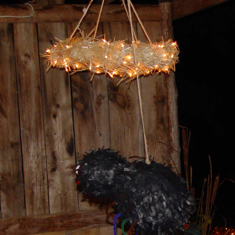 straw wreath light