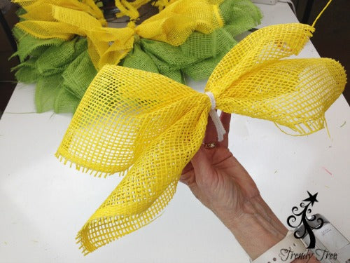 sunflower-burlap-ribbon-center-petal-pick-blog-post-finished