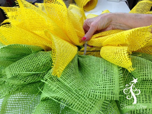 sunflower-burlap-ribbon-center-petal-pick-siip-over-wire-blog-post