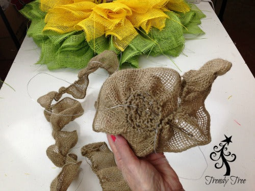 sunflower-burlap-ribbon-center-stitch-edges-together-blog-post