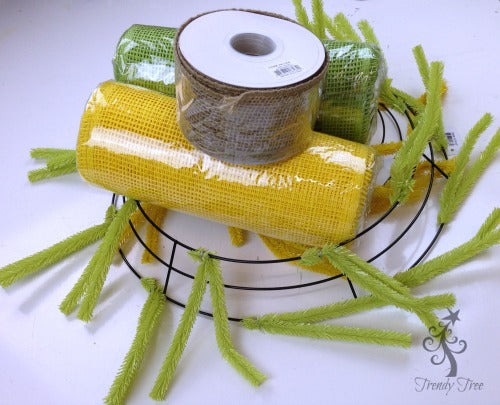 sunflower-burlap-ribbon-center-supplies-blog-post