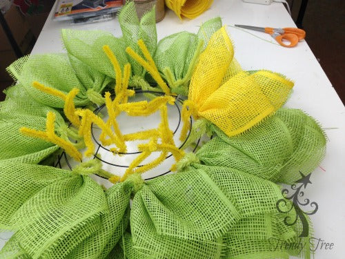 sunflower-burlap-ribbon-center-yellow-petals-outer-ring-blog-post