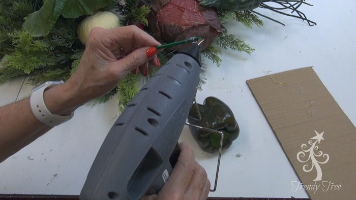 vegetable-wreath--hot-glue-picks