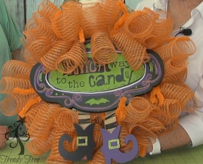 witch-wreath-kit-curls-finished-trendytree
