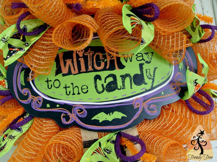 witch-wreath-kit-trendytree-closeup-1