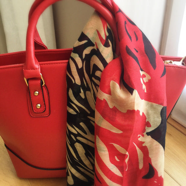 Scarlet. Handbag Red