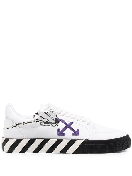 Logo-Patch Low-Top Sneakers