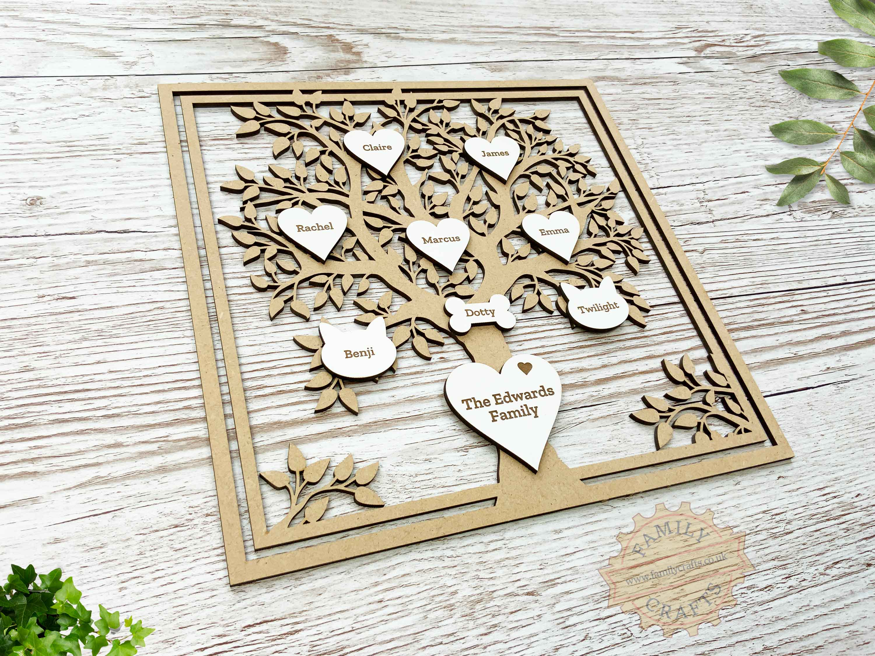 personalised family tree with engraved hearts view left