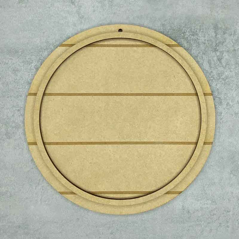 round horizontal shiplap plaque with frame loop