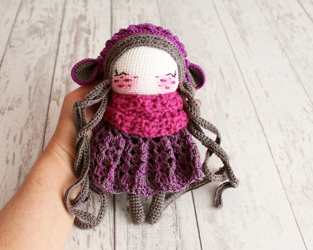 This little lady doll amigurumi is just... - Amigurumi Today ... | 819x1024