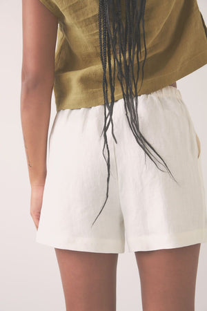 Eve Gravel By The Sea Shorts (Ivory)