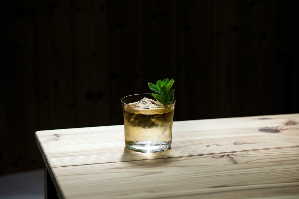 Whisky highball with mint