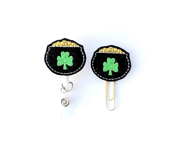 St Patricks Day Pot of Gold Badge Reel, Planner Clip, ID Holder, Magnet, Brooch Pin, (982)