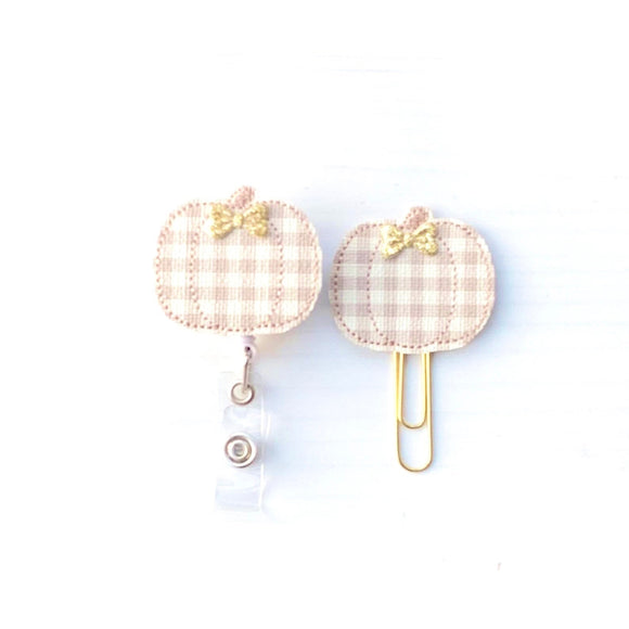 Fall Ivory Beige Plaid Pumpkin Badge Reel, Planner Clip, ID Holder, Magnet, Brooch Pin, (884)
