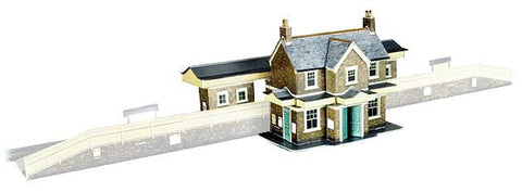 SQA2  Country Station Building OO scale