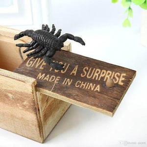 Wooden Prank Animal Scare Box