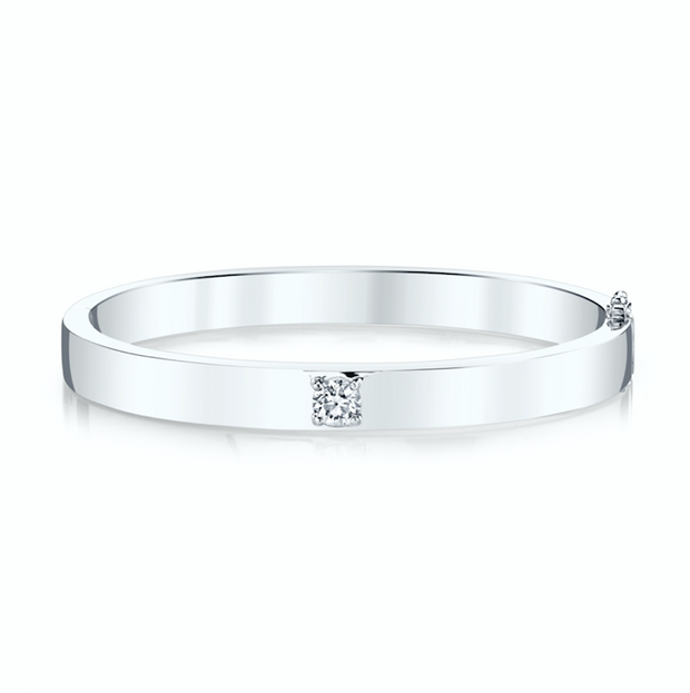 OVAL BRACELET WITH ONE ROUND DIAMOND