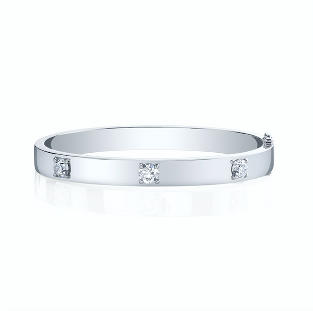 OVAL BRACELET WITH THREE ROUND DIAMONDS